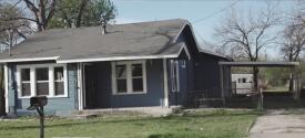 Investigan asesinato de una mujer que fue estrangulada y quemada hasta quedar irreconocible en una vivienda en el sur de San Antonio