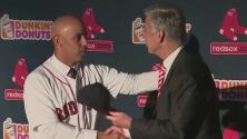 Alex Cora, presentado como nuevo mánager de los Red Sox
