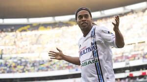 Ronaldinho jugará partido de exhibición con Cienciano