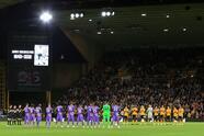 Wolverhampton cae, en tanda de penales, ante Tottenham y pierde su pase a Ocavos de final en la Copa de la Liga Inglesa. Leander Dendoncker y Daniel Podence anotaron para los Wolves, mientras que para los Spurs lo hicieron Tanguy Ndombélé y Harry Kane.