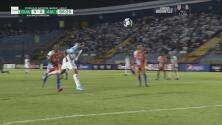 Cabezazo de Guerra para su cuarto gol y el 9-0 de Guatemala