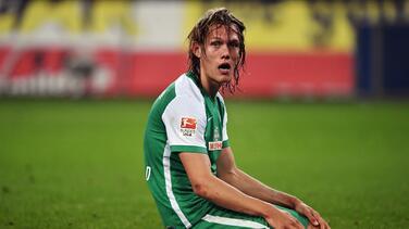 El Werder Bremen cae en Hamburgo y sigue rumbo al descenso en Alemania