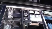 El picnic más lujoso del mundo solo es posible con este Rolls Royce convertible