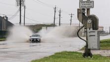 'Nicholas' se degrada a tormenta tropical luego de tocar Texas como huracán categoría 1
