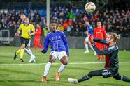 Soccer Football - Europa League - Group Stage - Group I - Sarpsborg v Besiktas - Sarpsborg Stadium, Sarpsborg, Norway - November 29, 2018. Sarpsborg's Rashad Muhammed scores 1-0 past Besiktas goalkeeper Loris Karius. NTB Scanpix/Terje Pedersen/ via REUTERS ATTENTION EDITORS - THIS IMAGE WAS PROVIDED BY A THIRD PARTY. NORWAY OUT. NO COMMERCIAL OR EDITORIAL SALES IN NORWAY.