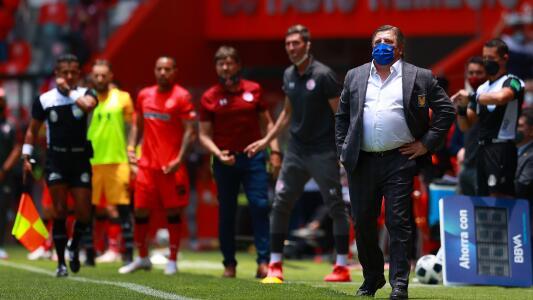 Miguel Herrera se queja del arbitraje en el Toluca vs. Tigres