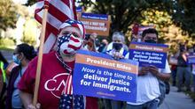 """""""El tiempo es ahora"""": activistas marchan en Washington DC para exigir a los demócratas una reforma migratoria"""