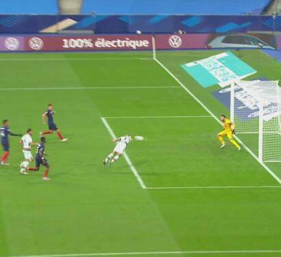 ¡'Palomita' en fuera de lugar! Le anulan gol a Pepe ante Francia