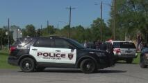 Un joven fue baleado por otro menor en un parque cercano a la escuela Kashmere: el sospechoso huyó
