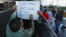 Sindicalistas de LAX protestaron por prohibición de ingreso a EEUU de ciudadanos de siete países firmada por Trump