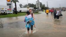 Historias desgarradoras e imágenes memorables tras una semana de Harvey en Texas