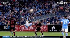 'Taty' Castellanos hace vibrar al estadio con una impresionante chilena