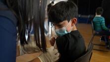 """""""Es una buena señal para los padres"""": expertos ante la posible aprobación de la vacuna para niños entre 5 y 11 años"""