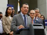 Alex Padilla renuncia como secretario de estado para tomar el puesto de senador por California