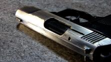 Detienen a estudiantes tras hallar dos armas en escuela secundaria de Raleigh