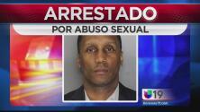 Director de coro de iglesia arrestado por abuso sexual a menor