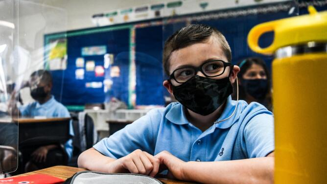Padres en Florida deberán decidir el tiempo de cuarentena de sus hijos en caso de haber estado expuestos al coronavirus