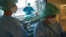 La pandemia y su impacto en la salud mental de los trabajadores esenciales en hospitales y centros médicos