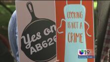 """""""Cocinar no es un delito"""", propuesta de ley busca despenalizar la venta de comida desde casa"""
