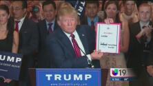 Trump firma pacto de lealtad republicano