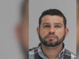 Arrestan a sospechoso de dispararle a un perro que cuidaba un negocio en Dallas