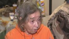 A esta abuela hispana la golpearon y la lanzaron al piso por robarle solo 10 dólares en Nueva York