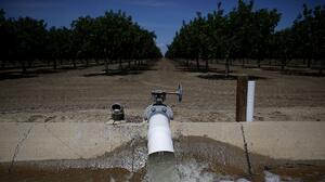 El robo de agua, otro problema a la histórica sequía que padece California