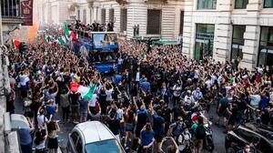 Un muerto y varios heridos fue el saldo de los festejos en Italia