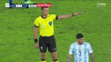 ¡TIRO ATAJADO! disparo por Arturo Vidal.