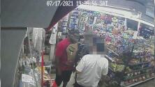 Buscan a un hombre que disparó mortalmente contra otro en una estación de servicio en el noreste de Austin