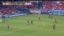Dictando cátedra de fútbol, Carlos Vela hace maravillosa jugada para el tercero del LAFC