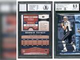 El impresionante monto que se pagó en una subasta por una tarjeta del jugador de fútbol americano Tom Brady