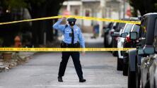 """""""Aquí no se puede ni dormir tranquilo"""": hispanos viven atormentados ante los altos índices de violencia en Filadelfia"""