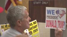Newport Beach y Orange consideran unirse a la demanda para derrotar la ley SB-54