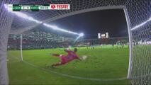 ¡Terrible cobro! Emmanuel Gigliotti perdona y vuela el penalti