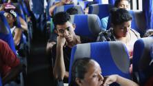 Diarios de la caravana - 81 millas (131 km) Luego de recibir asesoría legal, los migrantes viajaron de Puebla a la Ciudad de México.
