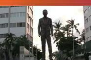 Estatua de Eugenio Derbez en Acapulco