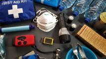 Estas 15 cosas no pueden faltar en tu kit de emergencias