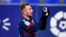 Futbolista español rompe en llanto al dedicar gol a su abuela hospitalizada
