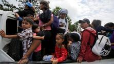 Una nueva caravana con cientos de migrantes hondureños parte hacia México y EEUU