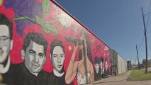 Estrenan mural para homenajear a la cantante Selena en Houston