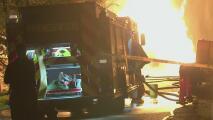 Siguen sin servicio eléctrico los residentes de la zona afectada por un incendio en Friendswood, Texas