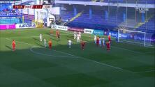 ¡GOL!  anota para Montenegro. Stevan Jovetic