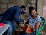 Vacuna contra la malaria muestra un 77% de efectividad en los primeros ensayos, según científicos de Oxford