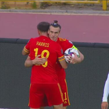 ¡Monumental! Gareth Bale marca un hat-trick y Gales gana 2-3