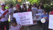 Inmigrantes se manifiestan en Athens en favor de las familias indocumentadas