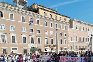 Cuba protesta vaticano/FCfIlriXsAgCfEe.jpeg