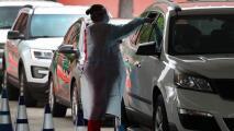Vuelven las largas filas de personas en Miami interesadas en hacerse pruebas de coronavirus