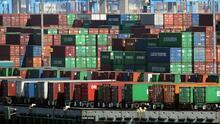 Persiste la congestión de barcos y contenedores en puertos de Los Ángeles: te explicamos a qué se debe