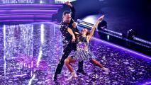 Tony Dandrades se transformó en el 'John Travolta de Impacto' con este súper baile disco